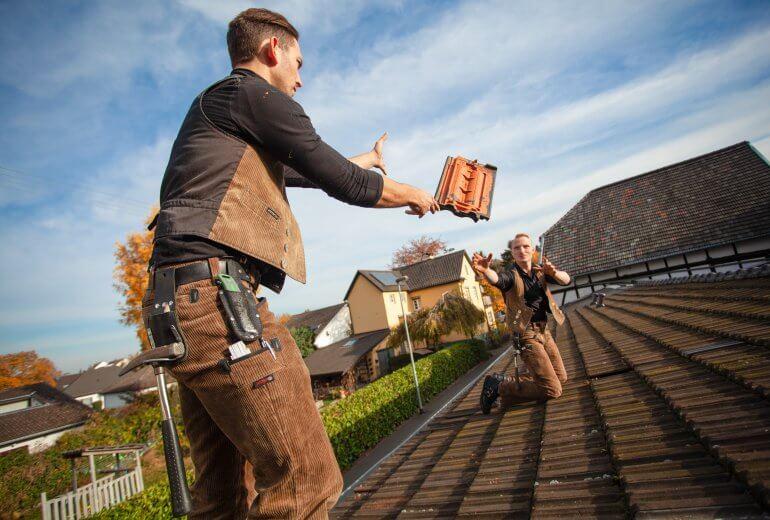 Dachziegel und Dachsteine Vorteile und Nachteile